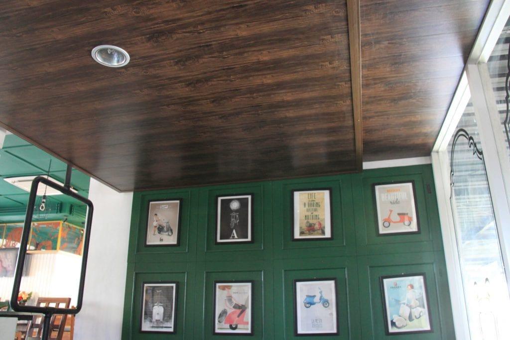 Cafe menggunakan Bringhome Plafon PVC Exclusive